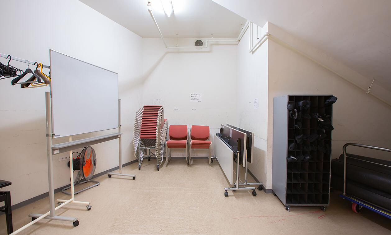 リハーサル室の倉庫